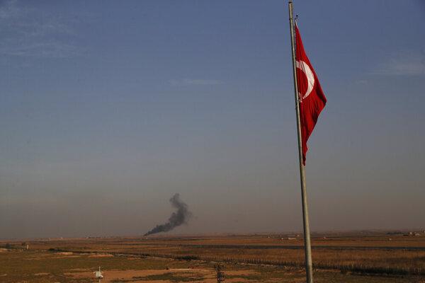 Turecko spustilo operáciu na severe Sýrie.