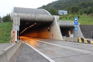 Tunel čaká pravidelná údržba.