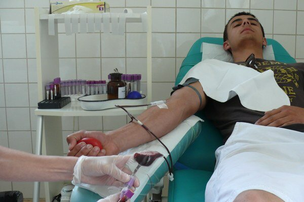 Darcovia Krv by mali dávať ešte pred dovolenkou