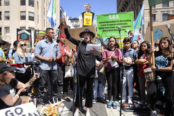 Jane Fondová vo svojom prejave počas protestov.