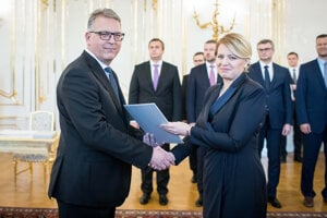 Vo štvrtok Zuzana Čaputová vymenovala nových ústavných sudcov.