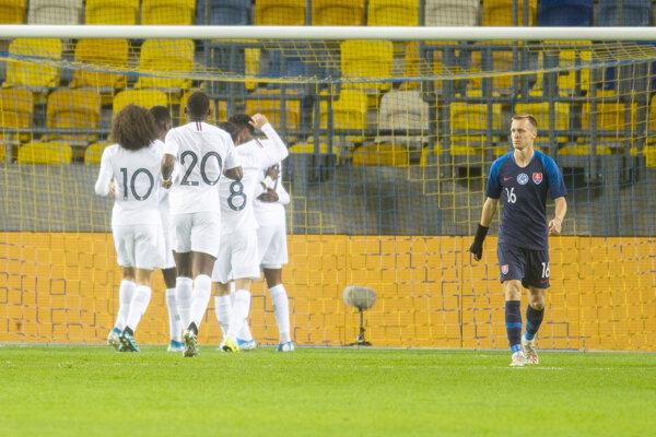 Momentka zo zápasu Slovensko - Francúzsko v kvalifikácii ME vo futbale hráčov do 21 rokov.