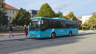Arriva, ktorej autobus havaroval pri Nitre, sa stará o prímestskú dopravu v štyroch krajoch