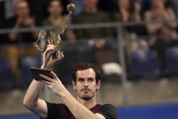 Andy Murray po triumfe na turnaji ATP v Antverpách.
