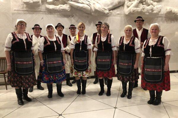 Folkloristi z obce Vyšná Olšava.