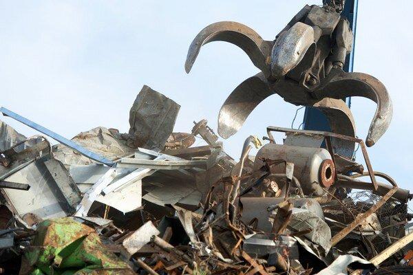 Muž z Trenčianskej Teplej odcudzil takmer jeden a pol tony železa.