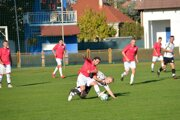V zápase Kolárovo - Tovarníky diváci gól nevideli.