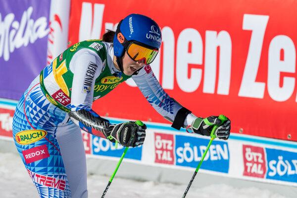Petra Vlhová po príchode do cieľa v druhom kole prvých pretekov novej sezóny.
