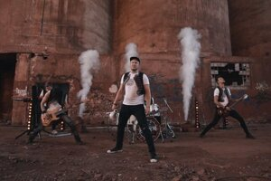 Kapela Dora prichádza s novým videoklipom ku skladbe Tam pod Tatrami.