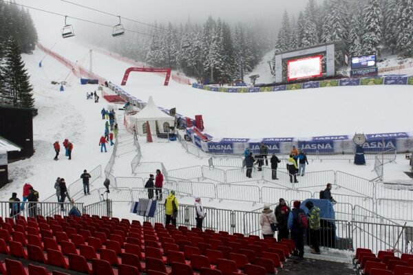 Cieľová časť pretekov Svetového pohára v alpskom lyžovaní žien v Jasnej v roku 2016.