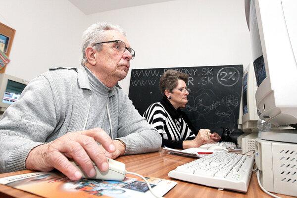 Kurz internetu pre seniorov.