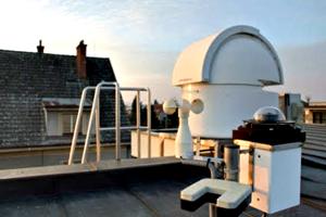 Zdeněk Bardon si vybudoval súkromné robotické observatórium