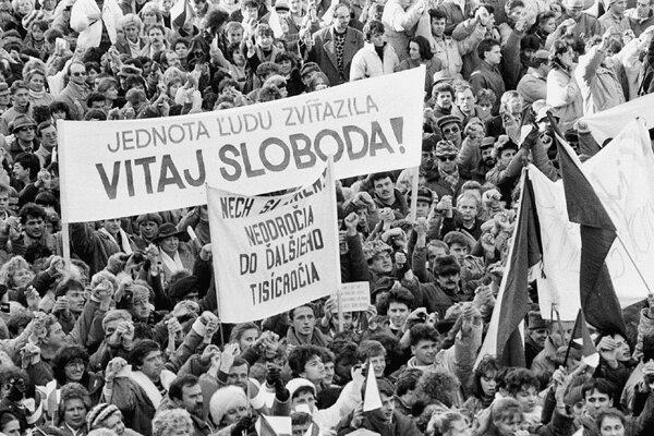 Od Nežnej revolúcie prešlo tridsať rokov.