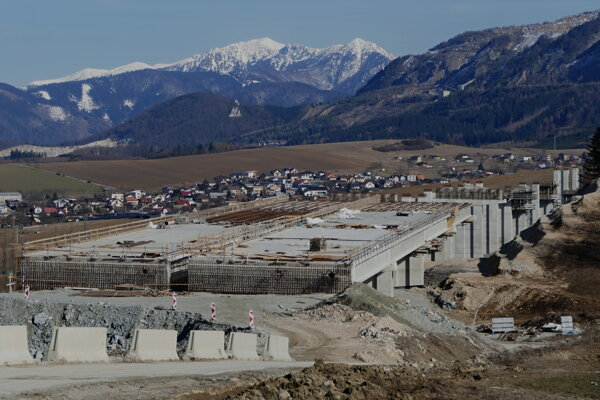 Stavba diaľničného úseku D1 Lietavská Lúčka - Višňové - Dubná Skala.