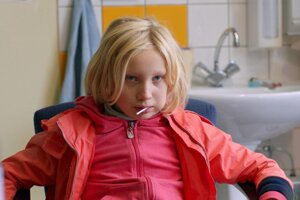Helena Zengelová ako Benni vo filme Narušiteľ systému