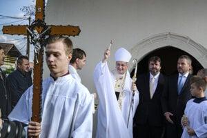 Arcibiskup a predseda KBS Stanislav Zvolenský s premiérom Petrom Pellegrinim.