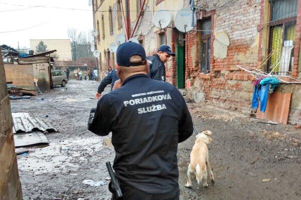 Z akcie mestských policajtov.