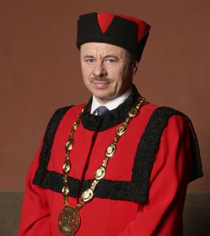 doc. RNDr. Vladimír Krajčík, Ph.D. rektor Vysoké školy obchodní v Praze