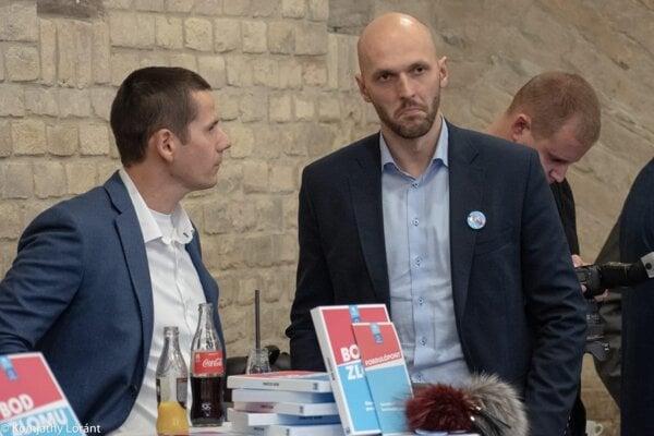 Štefan Hamran v debate s lídrom PS Michalom Trubanom.