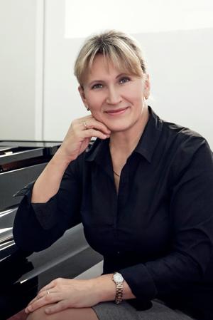 Rektorka VŠMU: doc. Mária Heinzová, ArtD.