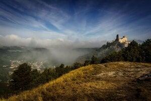 Čachtický hrad vpodaní Rada Gareca.
