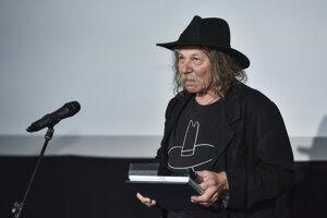 Na snímke Richard Krivda si preberá cenu za celoživotné dielo počas udeľovania cien súťaže Kamera 2019, ktorú organizuje Asociácia slovenských kameramanov,