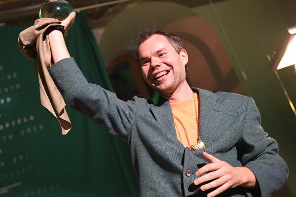 Laureátom Ceny Oskára Čepana 2019 je Erik Sikora. Ocenenie v podobe umeleckého diela si prevzal počas slávnostného ceremoniálu z rúk minuloročnej víťazky Emílie Rigovej.