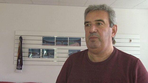 Tréner FK Dubnica Peter Gergely.