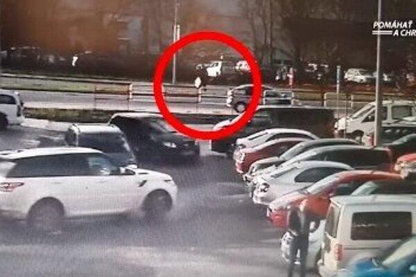 Záber z kamery na zlodeja.