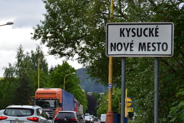 Kysucké Nové Mesto má problém so zložitou dopravnou situáciou.