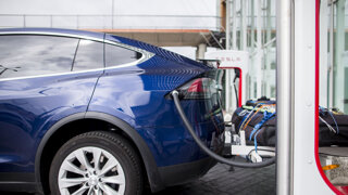 Dotácia na elektroauto by sa mala ujsť každému, systém chcú zmeniť