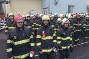 Ocenení hasiči - Peter Bartoš, Kamil Hoško a Tomáš Domén.