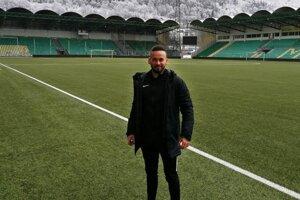Marek Filo na štadióne MŠK Žilina, ktorý je momentálne jeho pracoviskom.