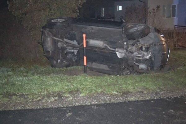 Nehoda v obci Lesné.