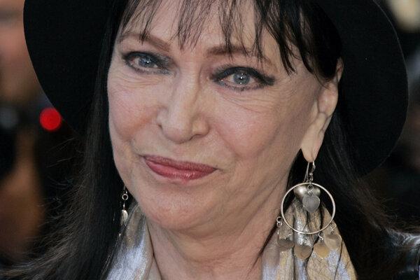 Anna Karina na fotke z roku 2009.