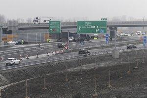Po novom úseku diaľnice D1 Budimír - Bidovce prešli prvé autá.