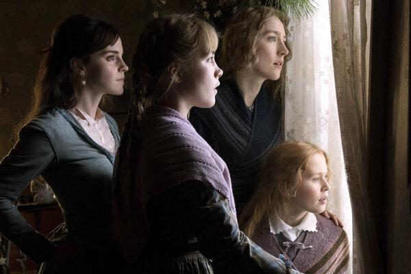 Herečky Emma Watson, Florence Pugh, Saoirse Ronan a Eliza Scanlen v scéne z filmu Malé ženy.