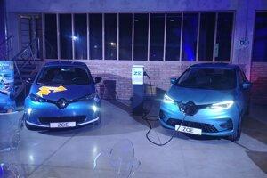 Starý a nový Renault Zoe.