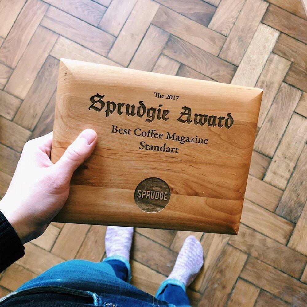 Standart získal ocenenie kávového portálu Sprudge za Najlepší kávový magazín na svete.