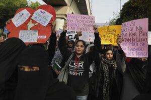 Protest študentov unverzity Jamia Millia Islamia v New Dillí.