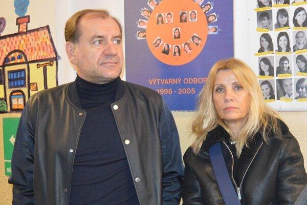 Syn Vladimíra Weissa st. prišiel na slávnostné odhalenie spolu s manželkou.