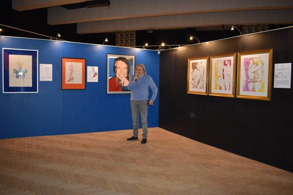 Kurátor MMUAW Michal Bycko predstavil diela Andyho Warhola, ktoré múzeum kúpilo z prostriedkov PSK.