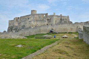 Spišský hrad potrebuje opravu.