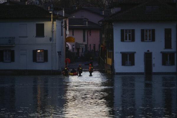 Taliansko sužujú búrky, záplavy, silný vietor a zosuvy bahna.