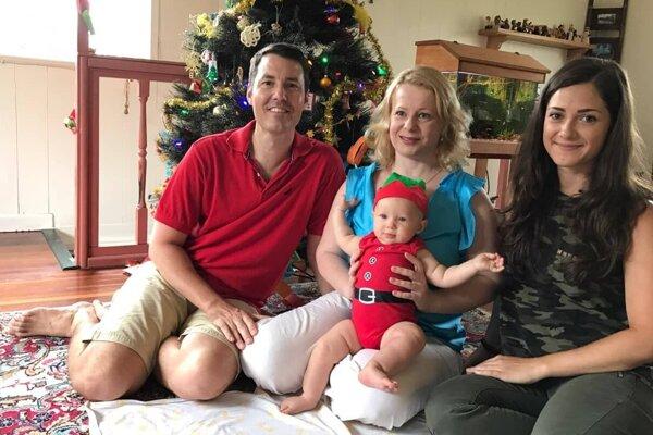 Jana Wrede s rodinou a s mladou pestúnkou ešte v Austrálii.