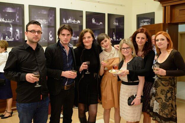 Jana Oľhová sa medzi mladými martinskými kolegami cíti dobre.