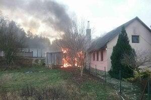 Požiar motorestu v Bzinciach pod Javorinou.