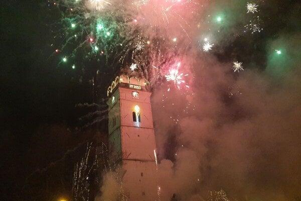 Novoročný ohňostroj v Rožňave.