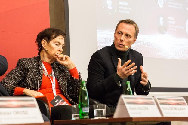 Profesorka politológie Soňa Szomolányi a novinár Marek Vagovič.