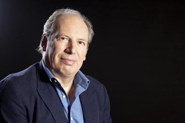 Nemecký producent a skladateľ filmovej hudby Hans Zimmer.